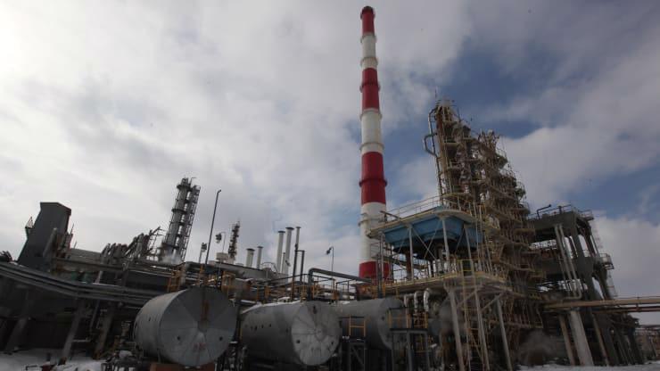 Một nhà máy lọc dầu của tập đoàn Rosnef ở Samara, Nga - Ảnh: Getty/CNBC.