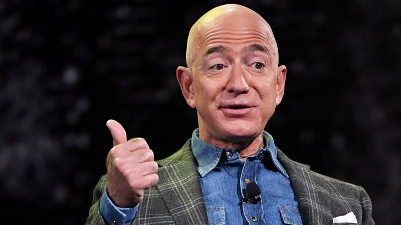 Tỷ phú Jeff Bezos - Ảnh: CNBC.