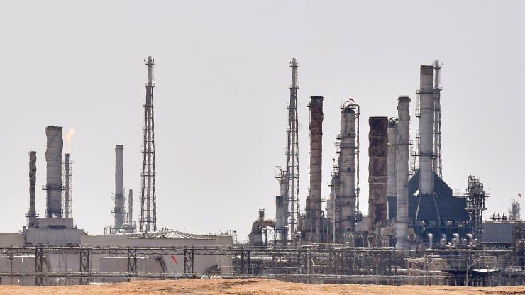 Một cơ sở dầu lửa của hãng Saudi Aramco gần thủ đô Riyadh của Saudi Arabia, tháng 9/2019 - Ảnh: Getty/CNBC.