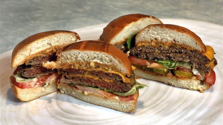 Thịt làm từ thực vật đang là một xu hướng mới - Ảnh: NBC.