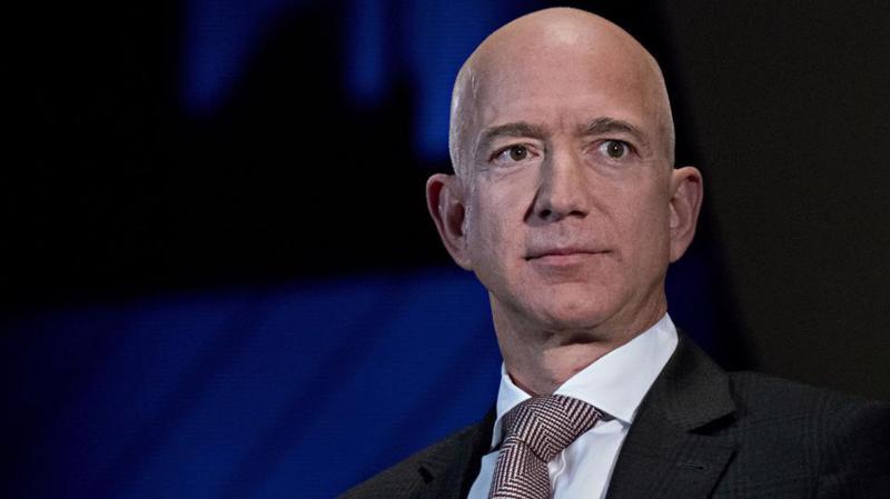 Tỷ phú Jeff Bezos, nhà sáng lập Amazon - Ảnh: Forbes.