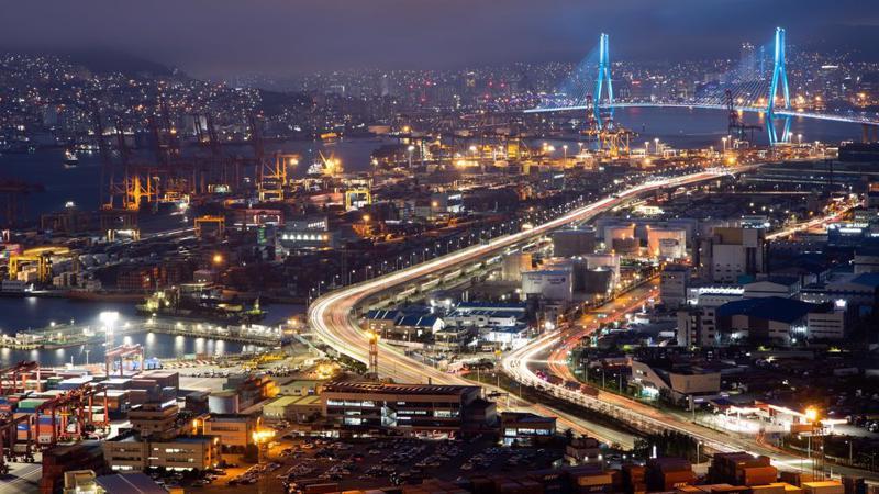 Một cảng biển của Hàn Quốc - Ảnh: Bloomberg.