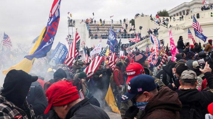 Người biểu tình ủng hộ Tổng thống Donald Trump tại tòa nhà Quốc hội Mỹ ngỳ 6/1 - Ảnh: Reuters.