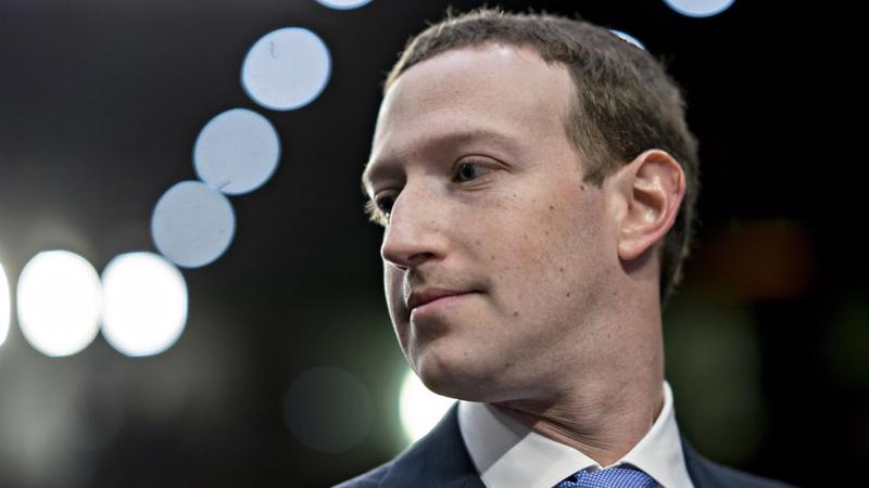 CEO Mark Zuckerberg của Facebook - Ảnh: Bloomberg.