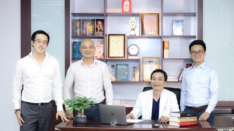 Hệ thống Nha khoa Kim có 120 nha sĩ và bác sĩ phẫu thuật nha khoa cũng như hơn 600 nhân viên, phục vụ hơn 23.000 bệnh nhân mỗi tháng.