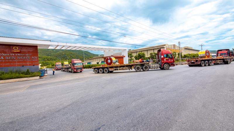 Mùng 2 Tết Tân Sửu 2021, nhà máy Hoa Sen Nghệ An xuất khẩu lô hàng 2.300 tấn đi Mexico (ảnh minh họa).