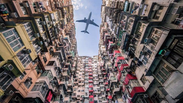 Một khu căn hộ ở Hồng Kông - Ảnh: Guardian.
