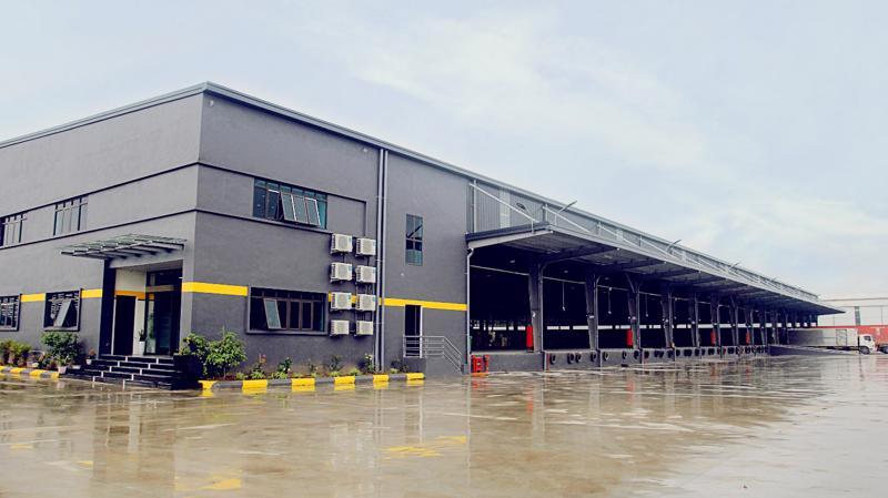 Trung tâm kho Văn Giang có đầy đủ các trang thiết bị hiện đại.
