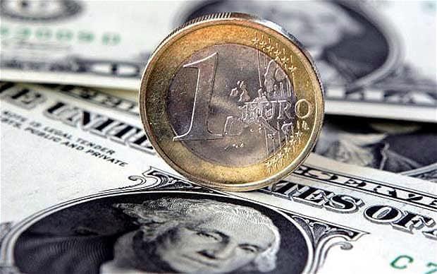 Ngoài đồng Euro, đồng USD còn đang giảm giá so với một loạt đồng tiền chủ chốt khác - Ảnh: Telegraph.