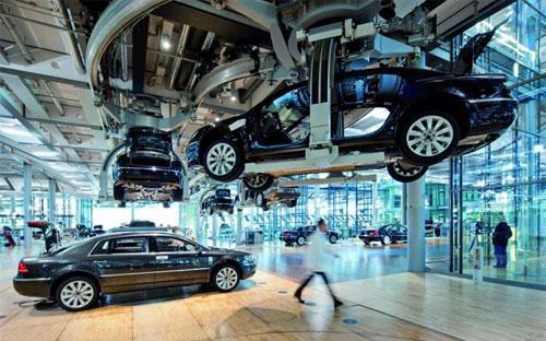 Bên trong một nhà máy của hãng xe Đức Volkswagen.<br>