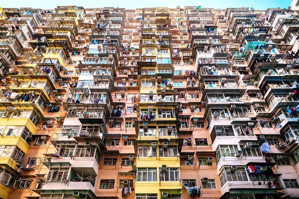 Một khu chung cư ở Hồng Kông - Ảnh: CNBC.<br>