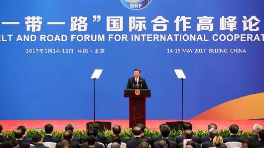 """Chủ tịch Trung Quốc Tập Cận Bình phát biểu tại hội nghị thượng đỉnh """"Vành đai và Con đường"""" tổ chức ở Bắc Kinh, tháng 5/2017 - Ảnh: Getty/CNBC.<br>"""