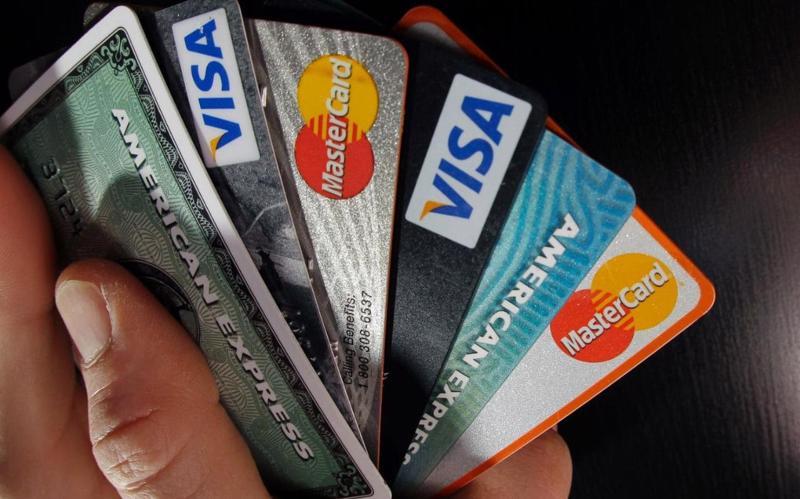 Nợ thẻ tín dụng ở Mỹ hiện đang tăng với tốc độ 4,9% mỗi năm.