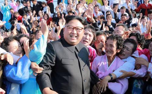 Nhà lãnh đạo Triều Tiên Kim Jong Un trong một bức ảnh không đề ngày được hãng thông tấn trung ương nước này KCNA công bố hôm 12/9 - Ảnh: KCNA/Reuters.<br>