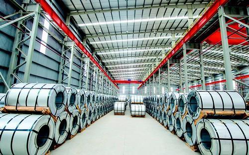Tính đến thời điểm hiện tại, Tôn Đông Á sở hữu hai nhà máy tại Sóng Thần  1 và Thủ Dầu Một với 2 dây chuyền mạ nhôm kẽm, 3 dây chuyền mạ màu, 1  dây chuyền tẩy rỉ và 1 dây chuyền cán nguội.