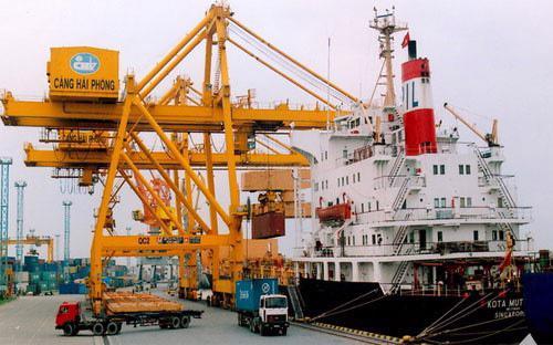 Doanh nghiệp phản ánh Hải Phòng thu phí kết cấu hạ tầng cửa khẩu cảng biển quá  cao từ tháng 1/2017 làm tăng chi phí và thời gian thực hiện dịch vụ  logistics.