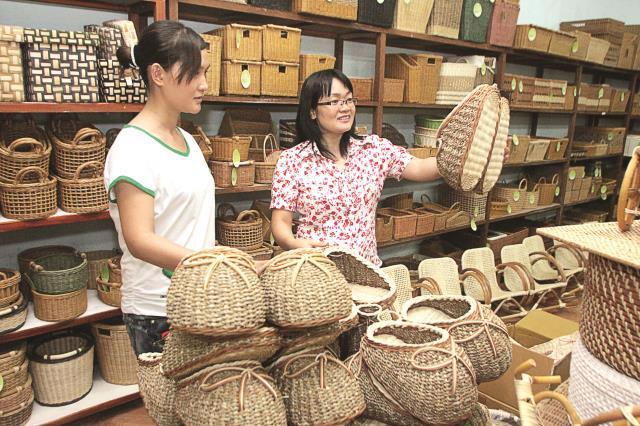 Một cơ sở mây tre đan xuất khẩu của Việt Nam. Các doanh nghiệp vừa, nhỏ và rất nhỏ có đóng góp quan trọng đối với nền kinh tế châu Á-Thái Bình Dương, trong đó có Việt Nam.<br>