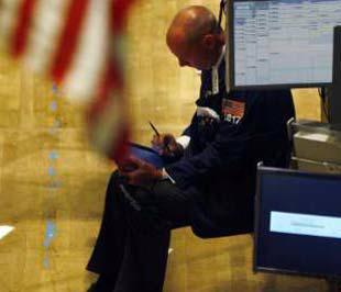 Chứng khoán Mỹ tiếp tục mất điểm phiên cuối tuần - Ảnh: Reuters.