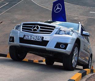 Mẫu đa dụng 5 chỗ ngồi GLK300 mới được Mercedes-Benz Việt Nam tung ra thị trường - Ảnh: Đức Thọ.