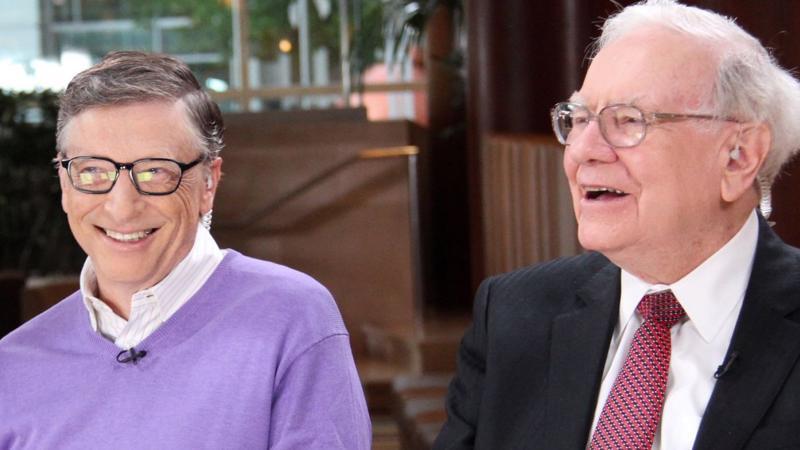 Tỷ phú Bill Gates (trái) và Warren Buffett - Ảnh: CNBC.