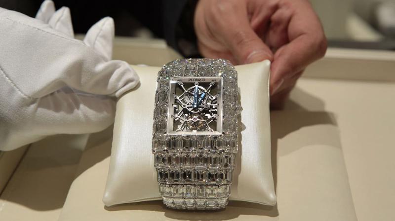Giới giàu Mỹ chi nhiều tiền hơn cho trang sức kim cương giữa đại dịch - Ảnh: CNN.