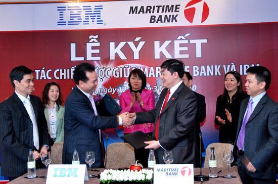 Theo thỏa thuận hợp tác, IBM Việt Nam sẽ thường xuyên cung cấp cho Maritime Bank các sản phẩm, giải pháp, dịch vụ mới nhất liên quan đến lĩnh vực công nghệ thông tin ngân hàng.