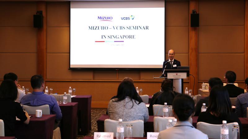 Ông Trần Việt Hưng - Phó giám đốc VCBS phát biểu tại Hội thảo.