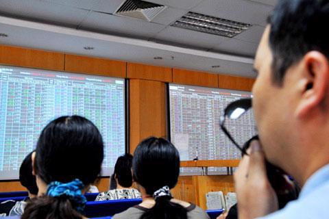 Chênh lệch lớn giữa số liệu kinh doanh ước tính với kiểm toán khiến nhà đầu tư hoang mang.