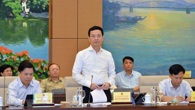 Bộ trưởng Bộ Thông tin và truyền thông Nguyễn Mạnh Hùng - Ảnh: Quang Phúc.