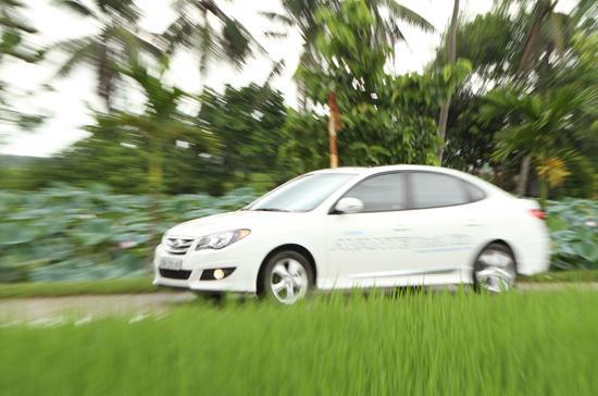 Hyundai Thành Công, nhà phân phối chính thức xe Hyundai tại Việt Nam bất ngờ thành hãng xe chăm sóc khách hàng tốt nhất năm 2011 - Ảnh: Bobi.
