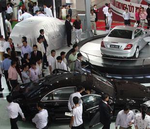 Sự kiện Vietnam Motor Show 2008 diễn ra trong tháng 8 không tạo nên được sự đột biến về thị trường của các hãng xe trong nước - Ảnh: Đức Thọ.