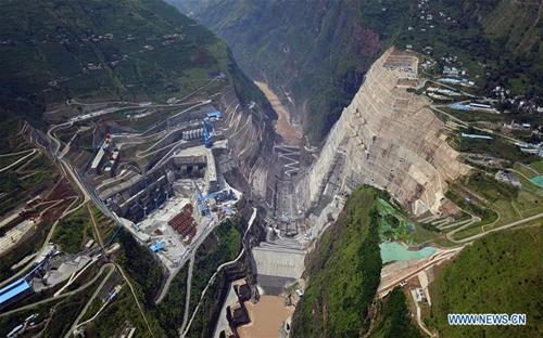 Hình ảnh công trường dự án Baihetan chụp ngày 27/7 - Ảnh: News.cn.<br>