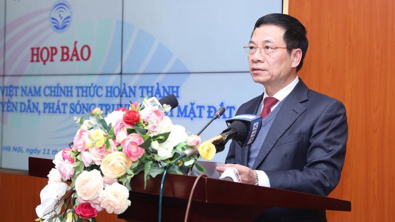 Bộ trưởng Bộ Thông tin và Truyền thông Nguyễn Mạnh Hùng công bố việc Việt Nam hoàn thành đề án truyền dẫn phát sóng truyền hình mặt đất, chiều 11/1.