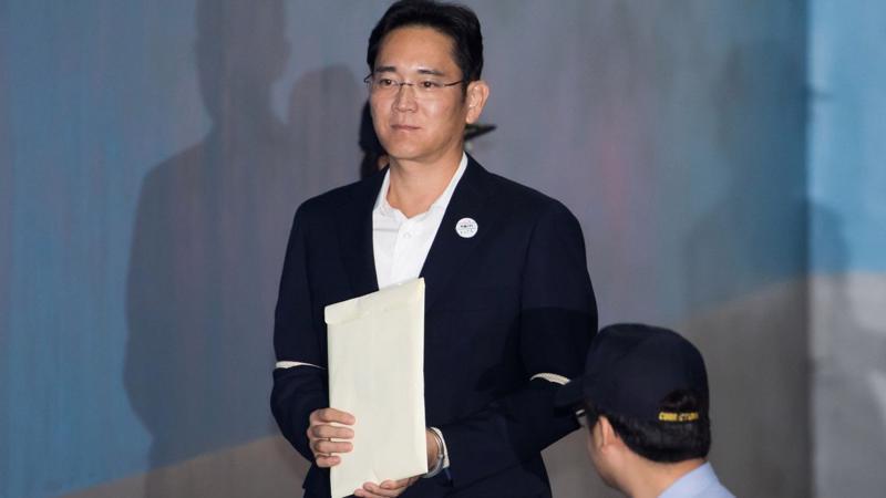 Jay Y. Lee tại toà án ngày 12/10 - Ảnh: Bloomberg.