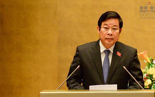 Bộ trưởng Bộ Thông tin và Truyền thông Nguyễn Bắc Son trình dự án Luật Báo chí (sửa đổi).<br>