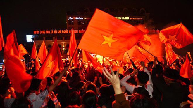 Hành trình của đội tuyển bóng đá Việt Nam một năm qua đã mang đến nhiều cảm xúc khó quên cho người hâm mộ - Ảnh: Dân Việt.