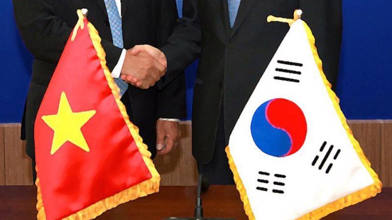 Sau hơn 25 năm thiết lập quan hệ ngoại giao Việt Nam – Hàn Quốc, tới nay Việt Nam đã trở thành đối tác thương mại thứ tư của Hàn Quốc và Hàn Quốc trở thành đối tác thương mại lớn thứ hai của Việt Nam.
