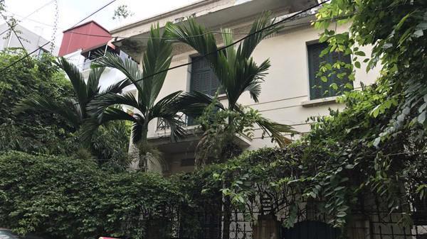 """Biệt thự 12 Nguyễn Chế Nghĩa từng được thành phố cho cựu Chủ tịch Hoàng Văn Nghiên thuê với giá """"phải chăng""""."""