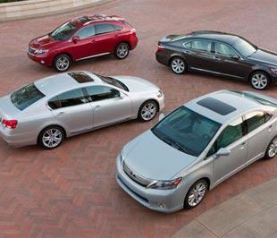 Lexus là thương hiệu xe hơi hạng sang thuộc Toyota đã và đang gặt hái được nhiều thành công với dòng xe thân thiện với môi trường hybrid - Ảnh: automobilemag.com.