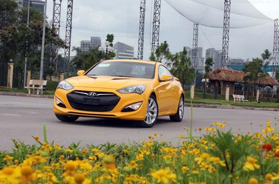 Genesis coupé 2013 có giá bán dưới 1,2 tỷ đồng - Ảnh: Bobi.