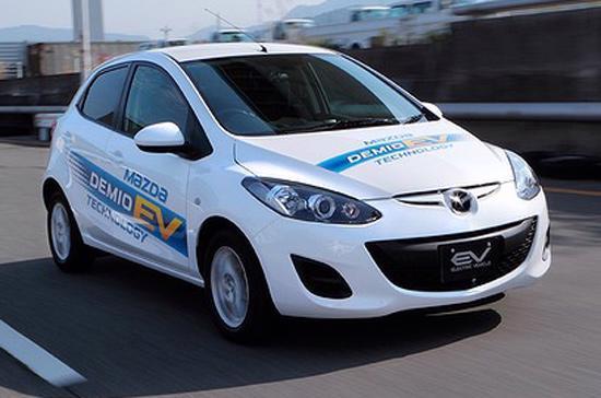 Mazda2 EV chạy điện đang trong giai đoạn chạy thử cuối cùng - Ảnh: Drive.