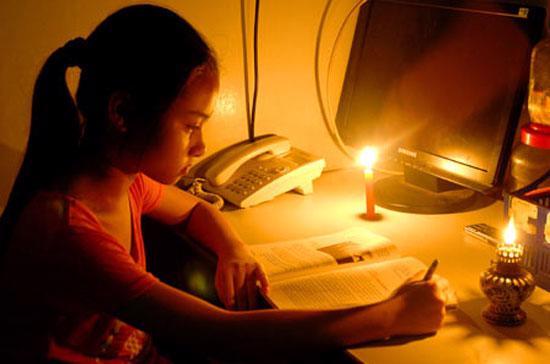 Theo tính toán và dự báo của Chính phủ thì năm 2013 và 2014 sẽ thiếu điện nghiêm trọng.