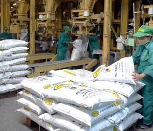 Khó khăn tài chính vẫn đè nặng lên các doanh nghiệp thức ăn chăn nuôi Việt Nam - Ảnh: TL.