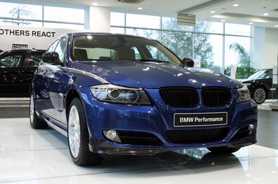 BMW Performance là gói nâng cấp tùy chọn bao gồm ngoại thất, nội thất hay động cơ do hãng xe hơi đến từ nước Đức chế tạo dành riêng cho các dòng xe BMW.