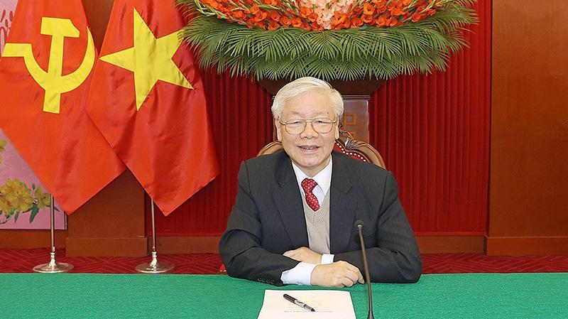 Tổng Bí thư, Chủ tịch nước Nguyễn Phú Trọng điện đàm trực tiếp với Chủ tịch Đảng Nhân dân Campuchia, Thủ tướng Chính phủ Hoàng gia Campuchia Hun Sen - Ảnh: TTXVN