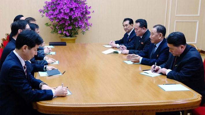 Hội đàm giữa các quan chức Triều Tiên và Hàn Quốc tại Bình Nhưỡng ngày 5/3 - Ảnh: Yonhap/Reuters.