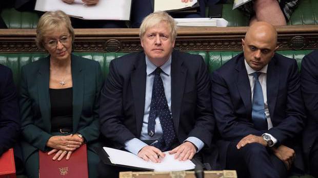 Thủ tướng Anh Boris Johnson (giữa) tại Hạ viện ngày 3/9 - Ảnh: Reuters.