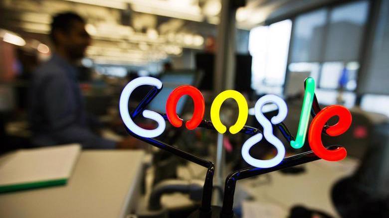 Logo Google tại một văn phòng làm việc của công ty - Ảnh: Reuters.