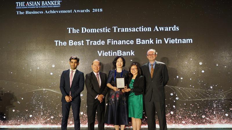 Lần thứ hai liên tiếp VietinBank được vinh danh là Ngân hàng Tài trợ thương mại tốt nhất Việt Nam.