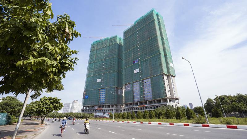 2 tòa tháp dự án The Matrix One cao 44 tầng đã thi công xong phần thô và đang bước vào giai đoạn hoàn thiện.
